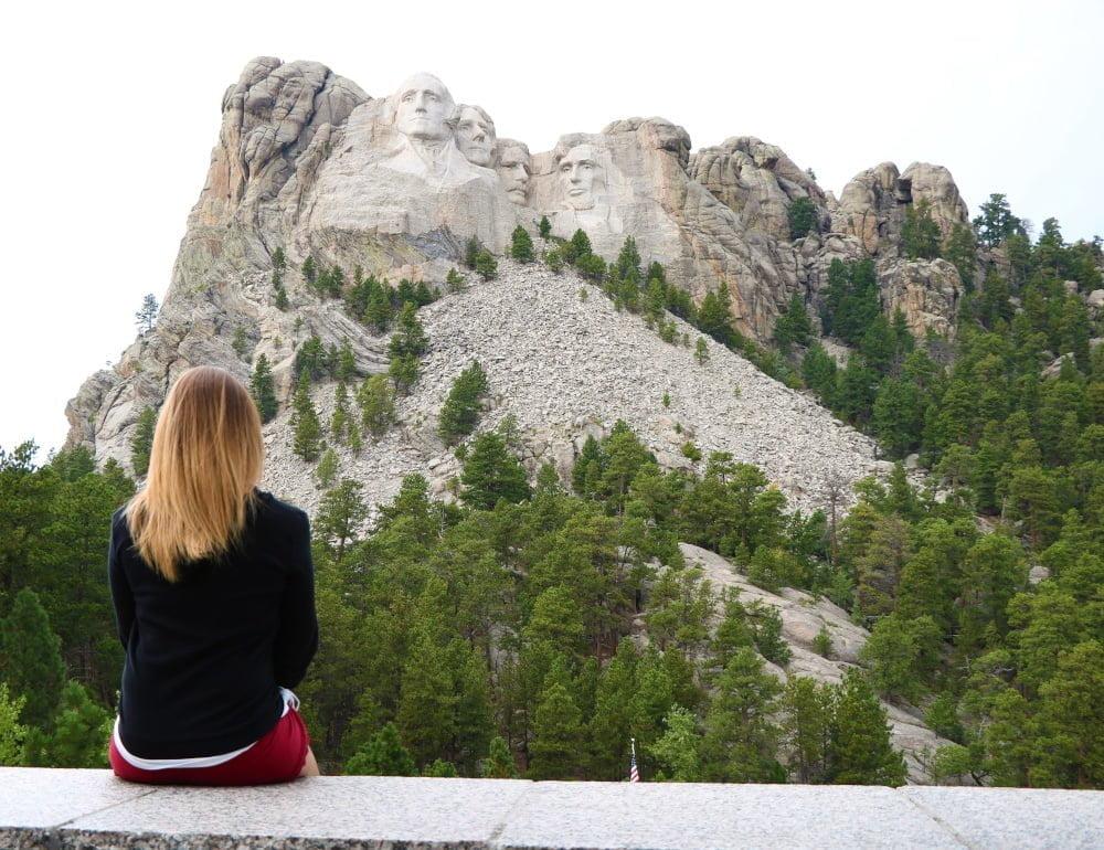 io davanti al Monte Rushmore
